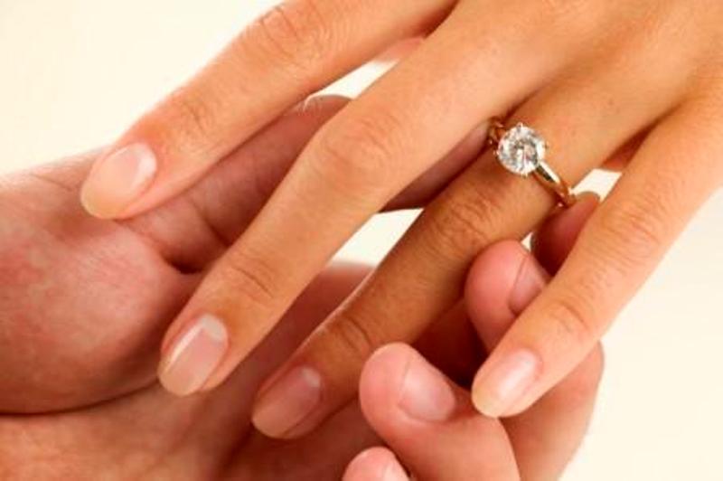 Wedding-Ring-Finger1